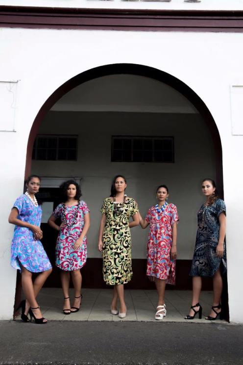 models-in-tunics-archway